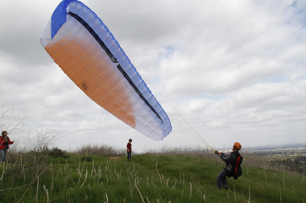 Paragliding in Turtle Rock, Irvine, CA 2011
