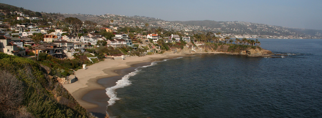 Oceanfront homes above Crescent Bay in North Laguna Beach, CA