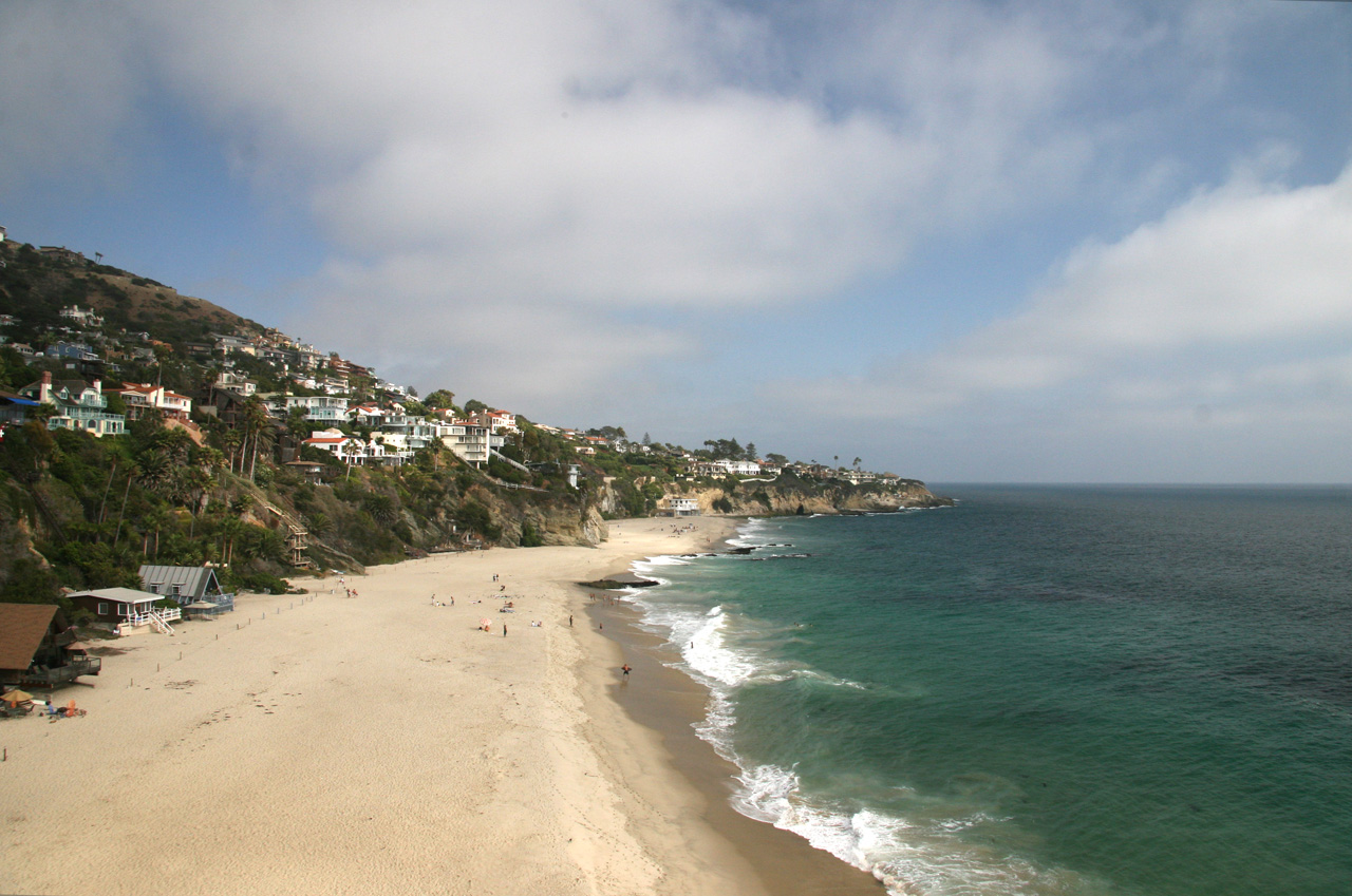 Beach Front homes on the Pacific in South Laguna Beach, CA